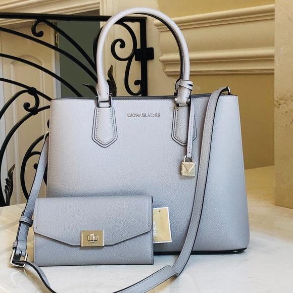 Michael Kors Handbags - NWT Michael Kors large Adele Satchel&wallet Set